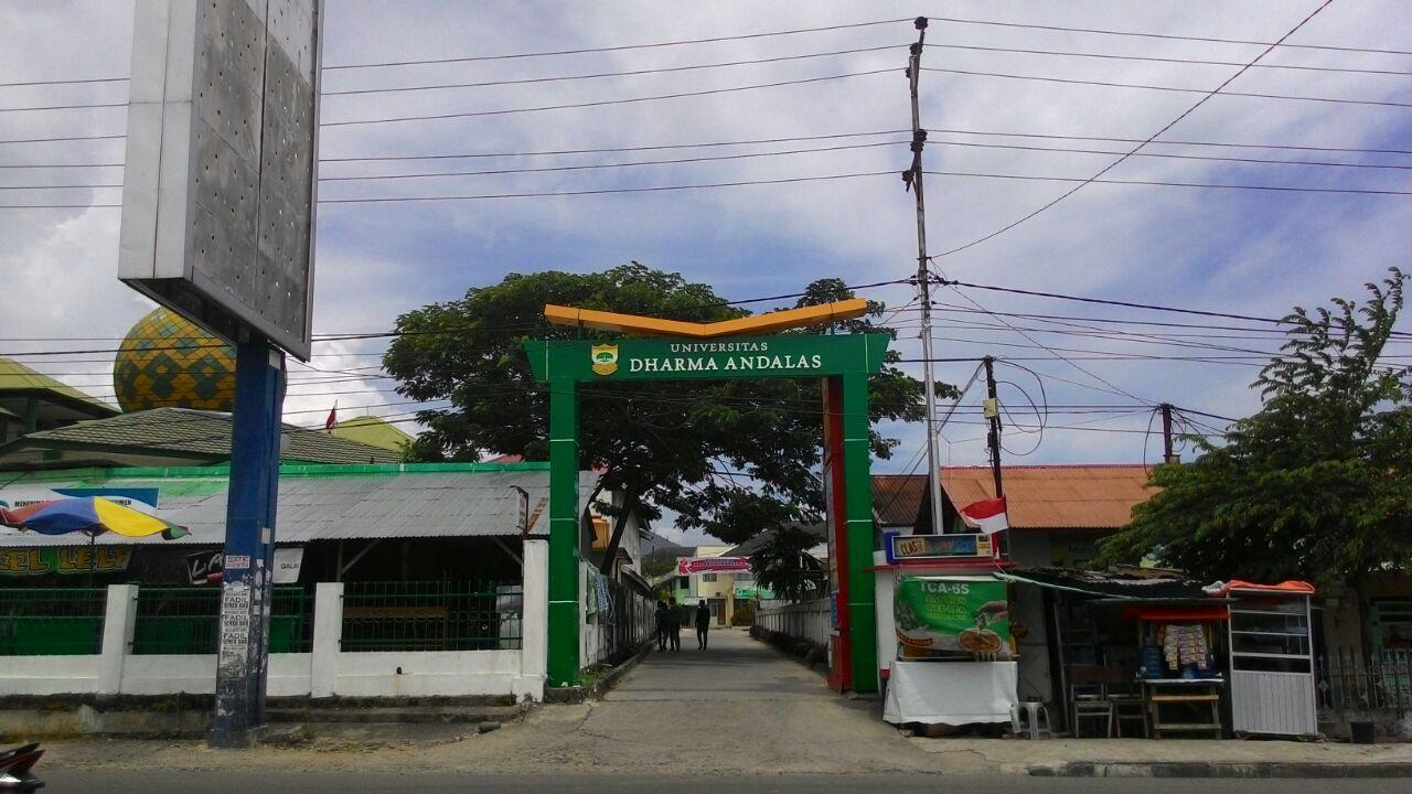 gerbang kampus unidha